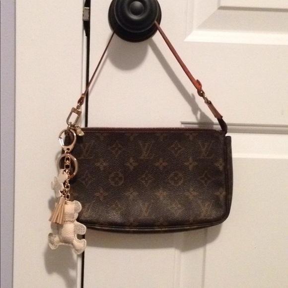 Louis Vuitton Handbags - Authentic Louis Vuitton Accessory Pochette